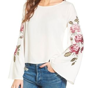 New Cupcakes& Cashmere Bell Sleeve Embroidered Top